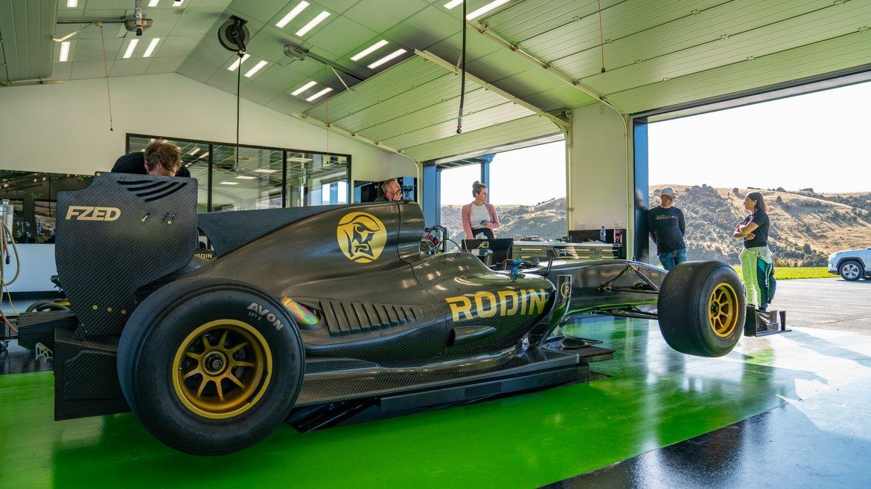 Avon выступит в качестве поставщика гоночных сликов для болидов Rodin FZED
