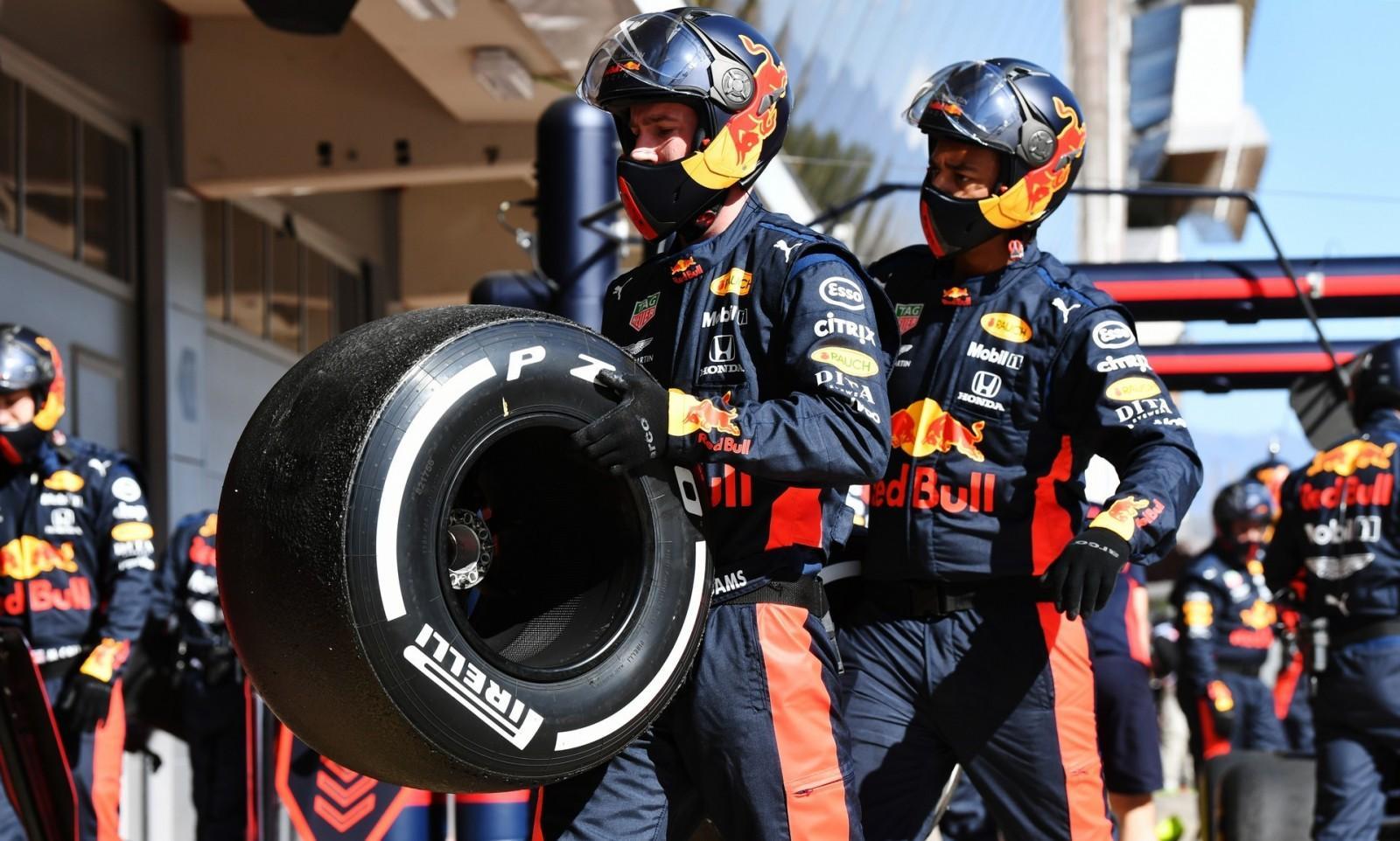 Пирелли предлагает командам Формулы-1 отказаться от выбора покрышек на Гран-при 2020 года
