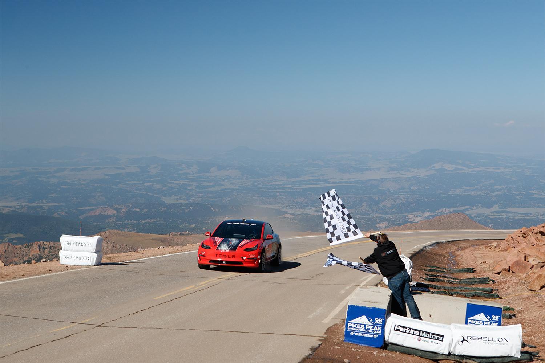 Триумф Toyo Tires на трассе Pikes Peak в Колорадо