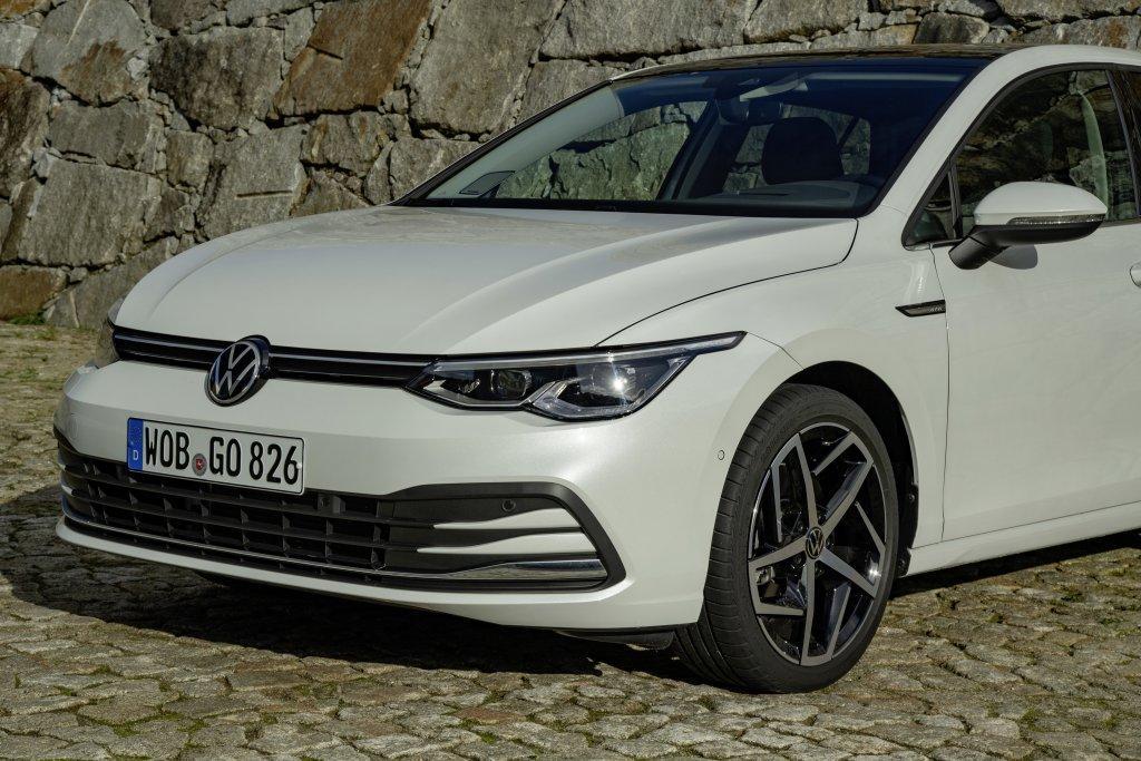 Volkswagen обует Golf VIII в шины с технологией Bridgestone Enliten