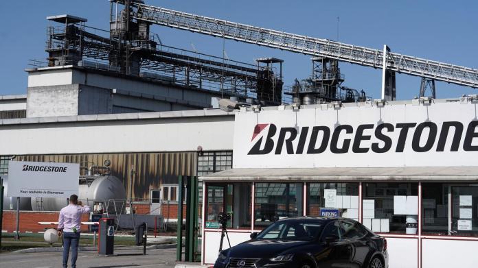 Правительство Франции выступает против закрытия завода Bridgestone в Бетюне