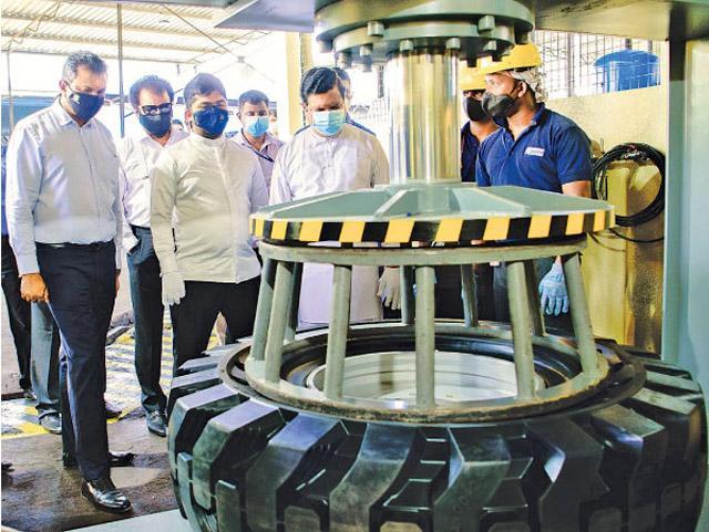 LAUGFS Corporation удвоит производство цельнолитых шин для промышленной техники