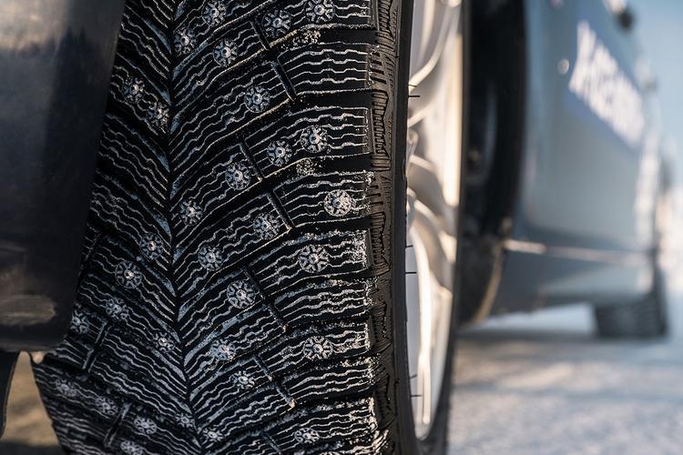 Две трети российских автомобилистов отдают предпочтение шипованным шинам