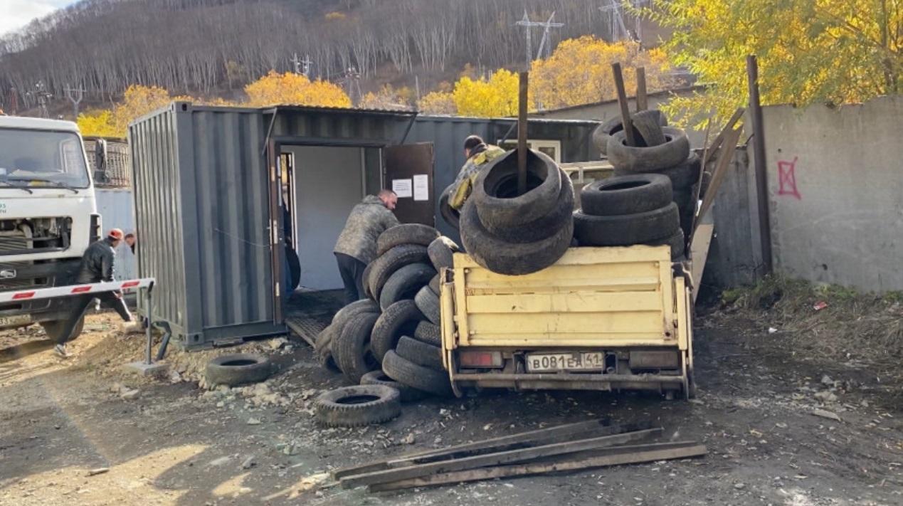 Столица Камчатки очистилась от утильных шин