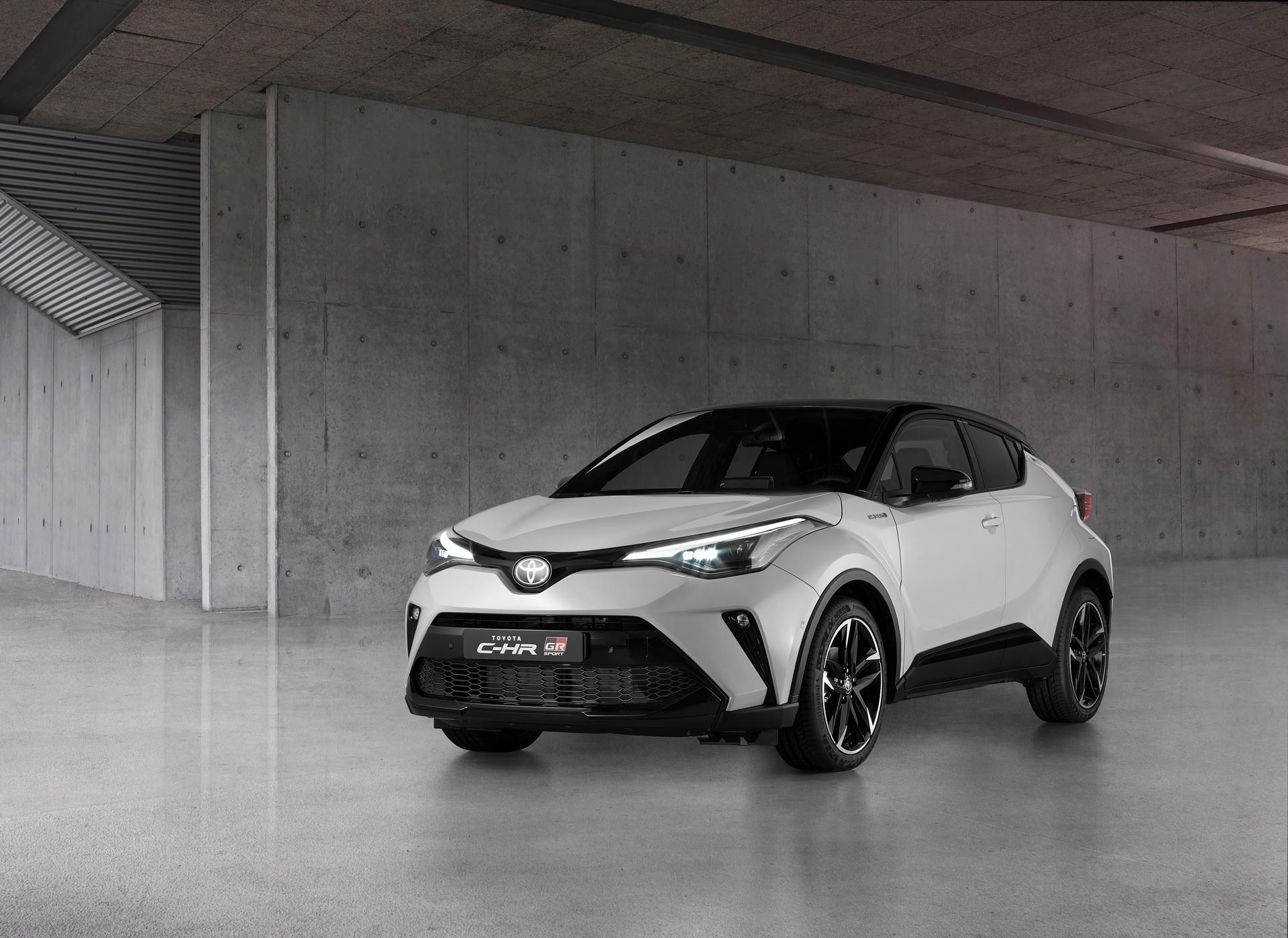 Continental обует новые Toyota C-HR GR Sport в 19-дюймовые шины PremiumContact 6