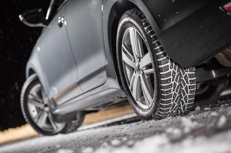Две трети россиян предпочитают ездить зимой на шипованных шинах