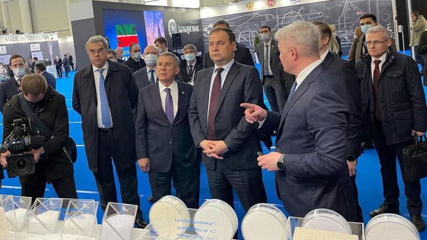 Глава Правительства Беларуси ознакомился с продукцией «Нижнекамскнефтехима»