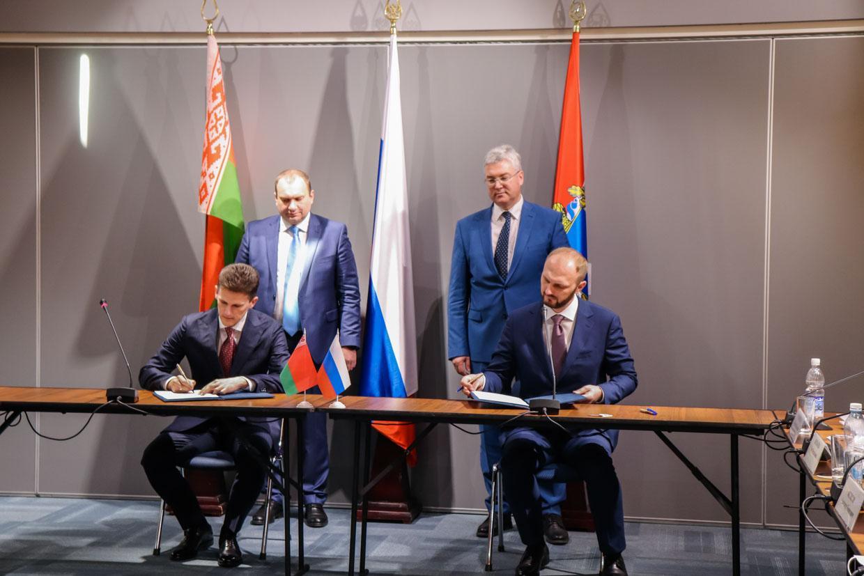 В Самаре подписан 400-миллионный контракт на поставку бобруйских шин