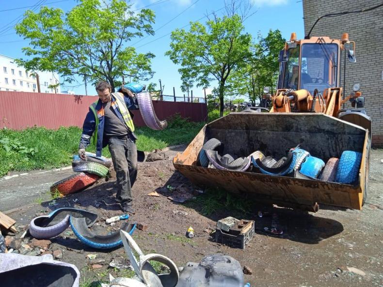 В столице Приморья собрали и передали на утилизацию 20 тысяч старых автопокрышек