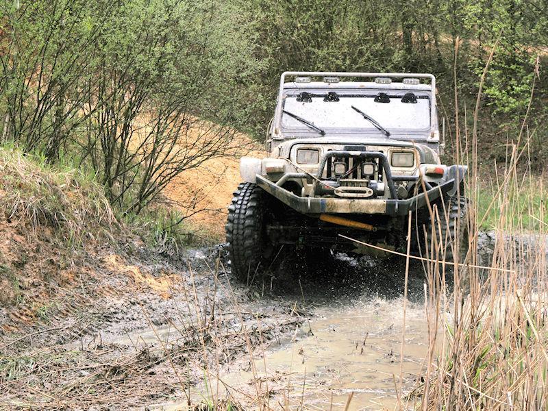 Две новые грязевые шины бренда CST дебютировали на европейском рынке