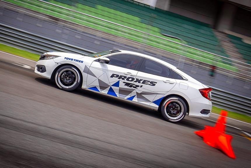 Авторевю: Тест летней шины Toyo Proxes TR1